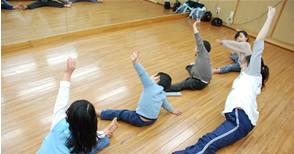 ザーラ ダンス コース